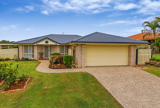 11 Palm St, Pacific Pines
