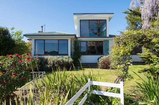 Offers over $335,000