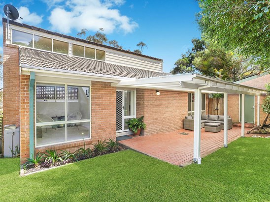 Auction, price  guide $980,000  - $1,050,000