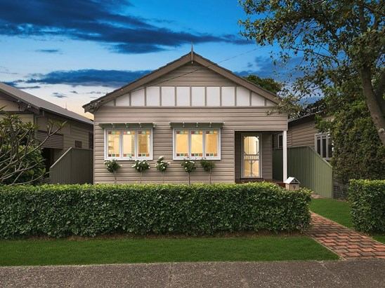 Auction, price  guide $1,350,000