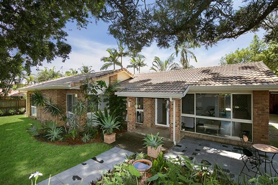 Offers over $760,000