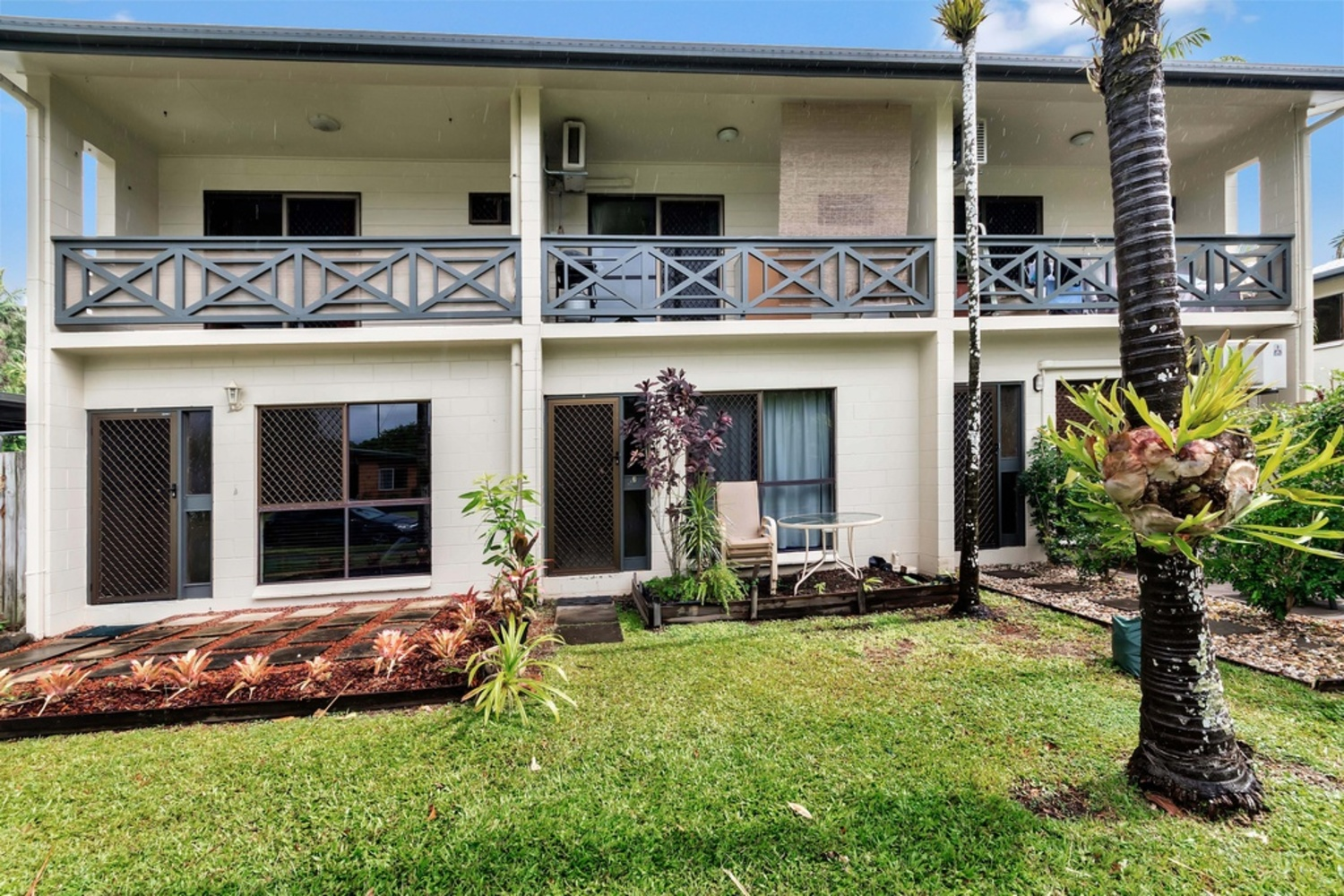 UNDER CONTRACT BY LEVEAUX (under offer)