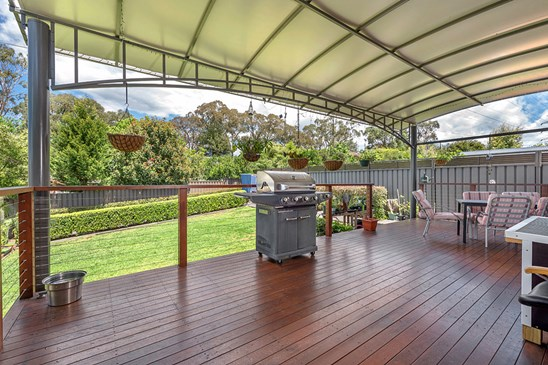 Price Guide $695,000 to $715,000