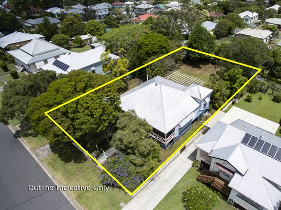 8 Caithness Street, North Booval