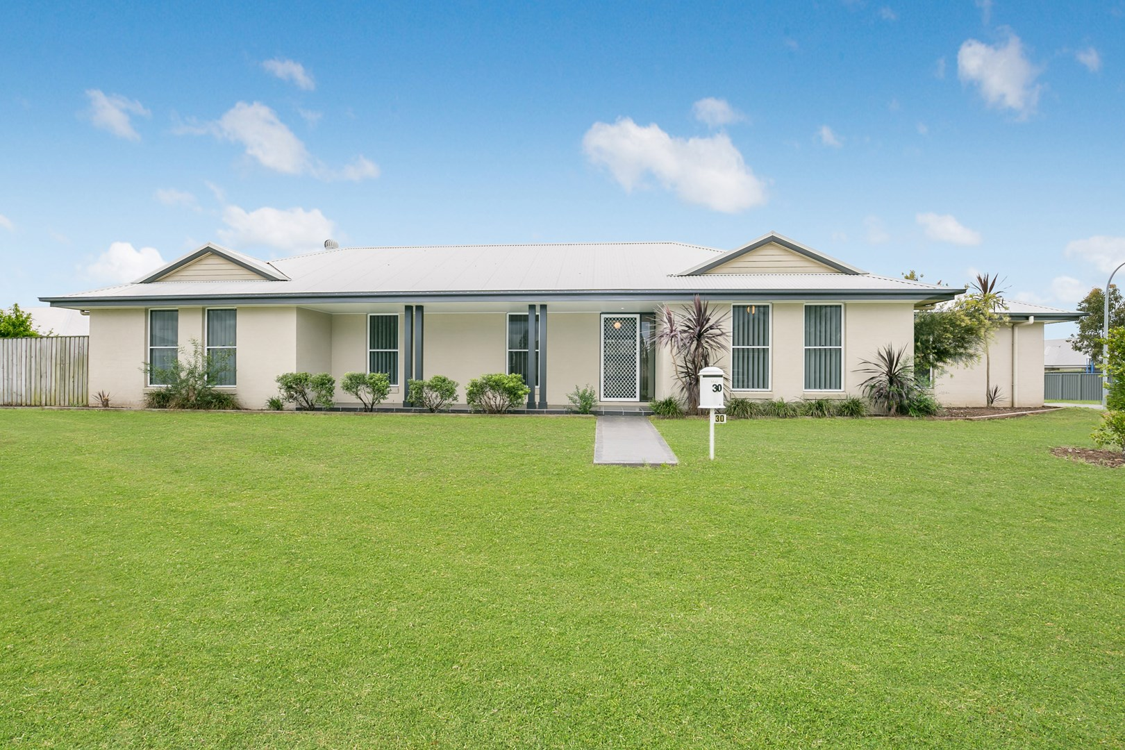 30 Sellers Avenue, Rutherford NSW 2320, Image 0