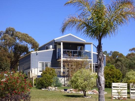 23377 Tasman Highway, Scamander