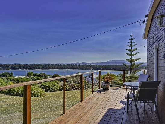 Offers over $545,000