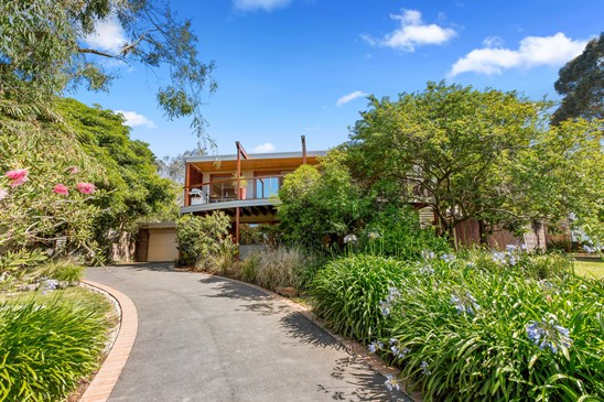 52 East Crescent, Somers