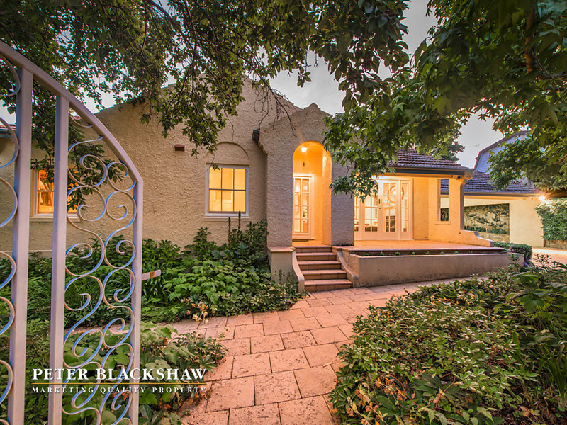 2 Hayes Crescent, Griffith ACT 2603, Image 0