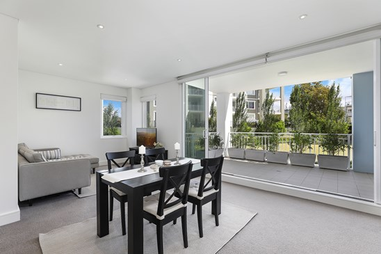 68 Peninsula Drive, Breakfast Point