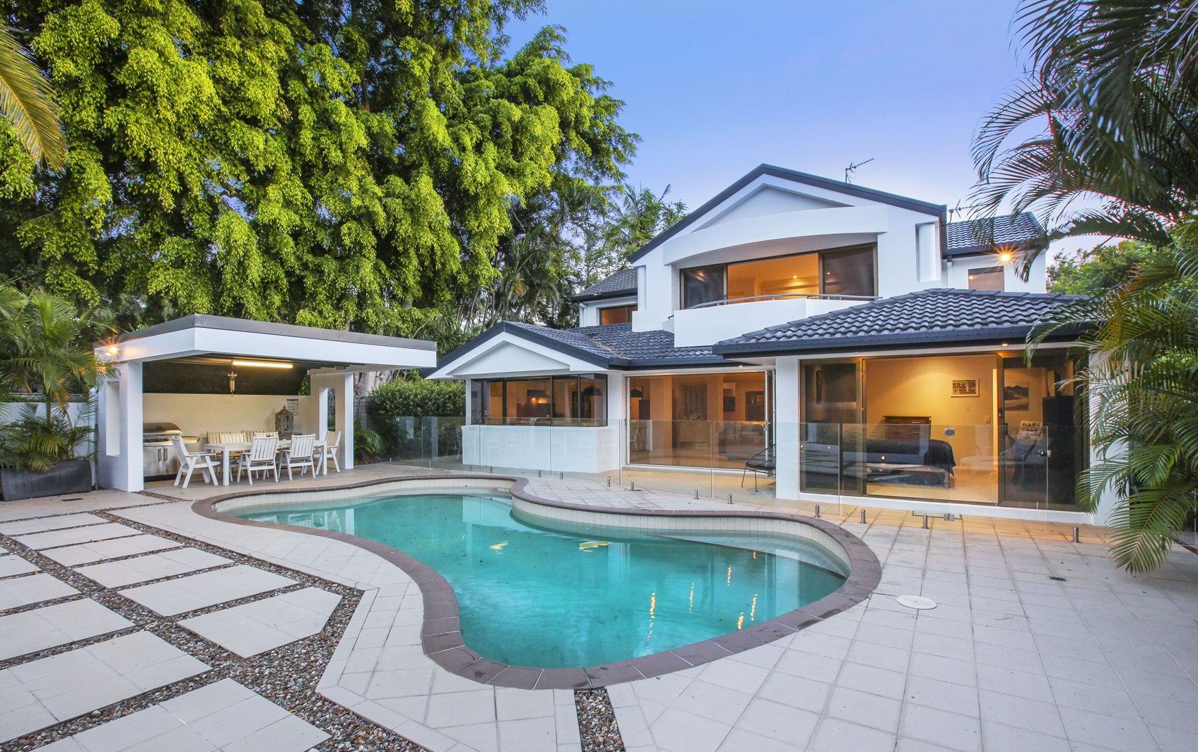 338 Monaco Street, Broadbeach Waters QLD 4218, Image 0