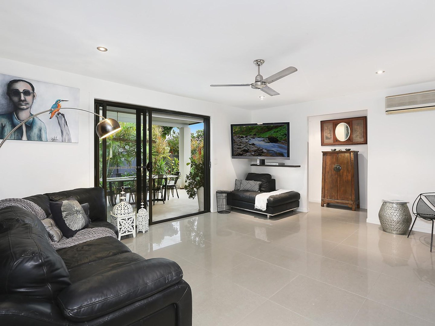 1 Tekapo Street, Broadbeach Waters QLD 4218, Image 0