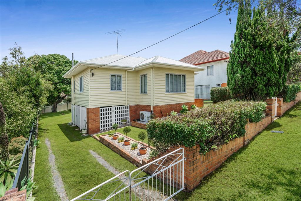 23 Iveagh Ave, Holland Park West QLD 4121, Image 0