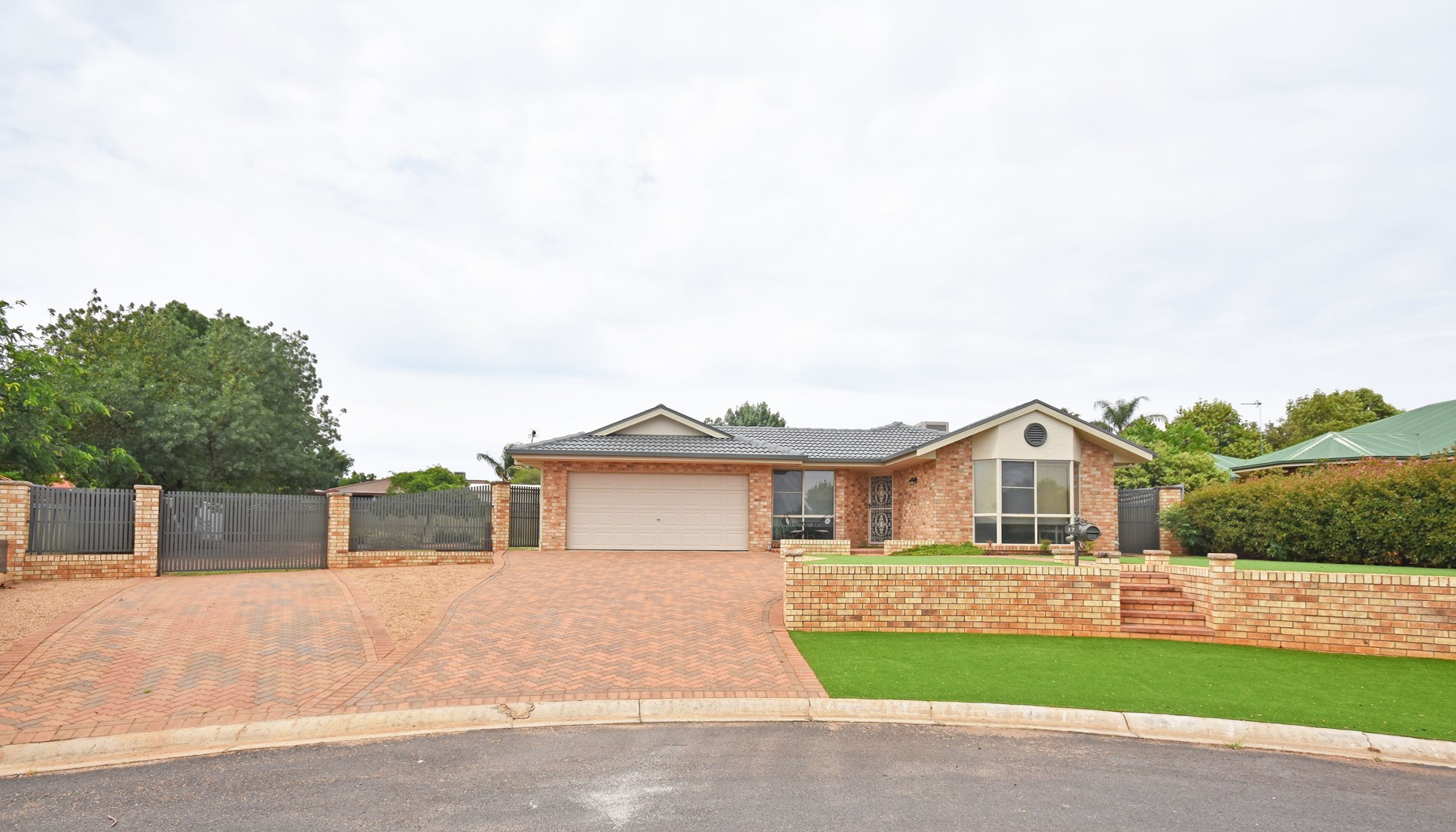 17 Poidevin Place, Dubbo NSW 2830, Image 0