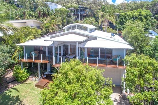 13 Dolphin Bay Drive, Sunshine Beach