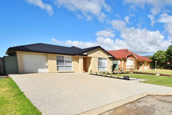 30 St Andrews Boulevard, Normanville