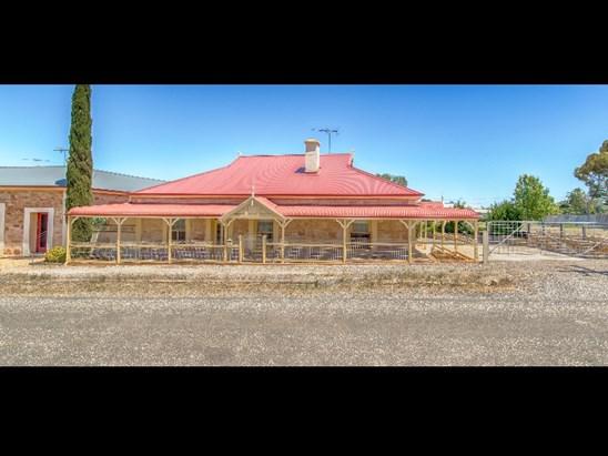 117 Old Adelaide Road, Kapunda