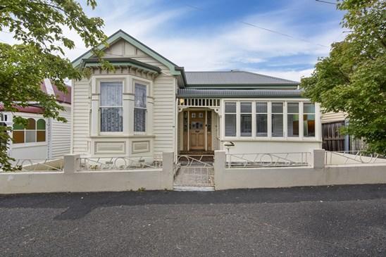 32 Wignall Street, North Hobart