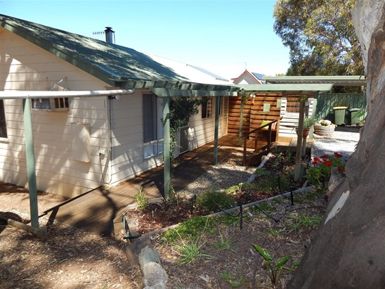 2 Panorama Crescent, Normanville