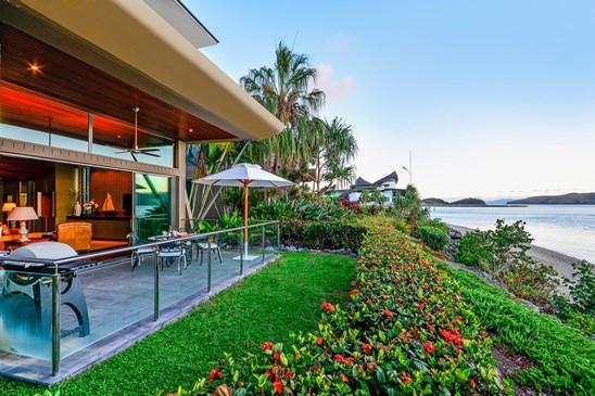 """Yacht Club Villas Front Street, Hamilton Island"