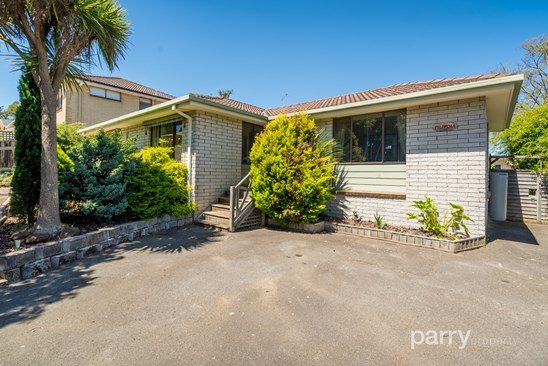 4 Hall Court, Summerhill