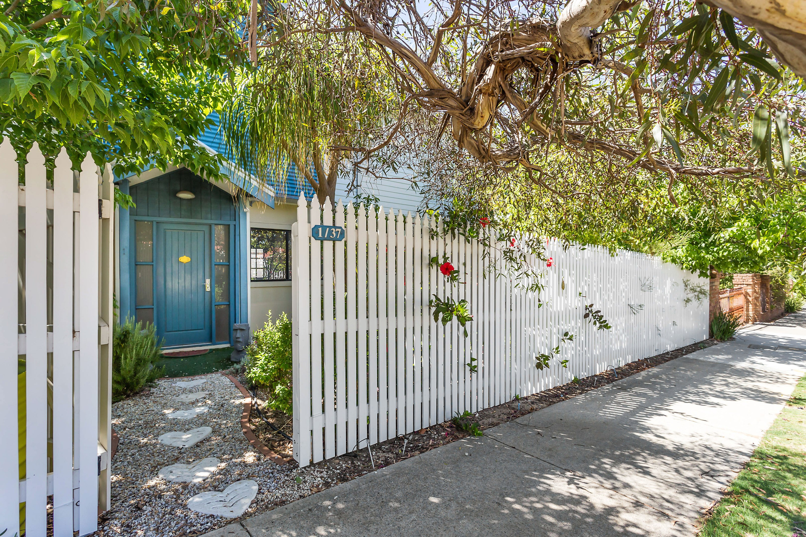37a State Street Victoria Park Wa 6100 Townhouse For
