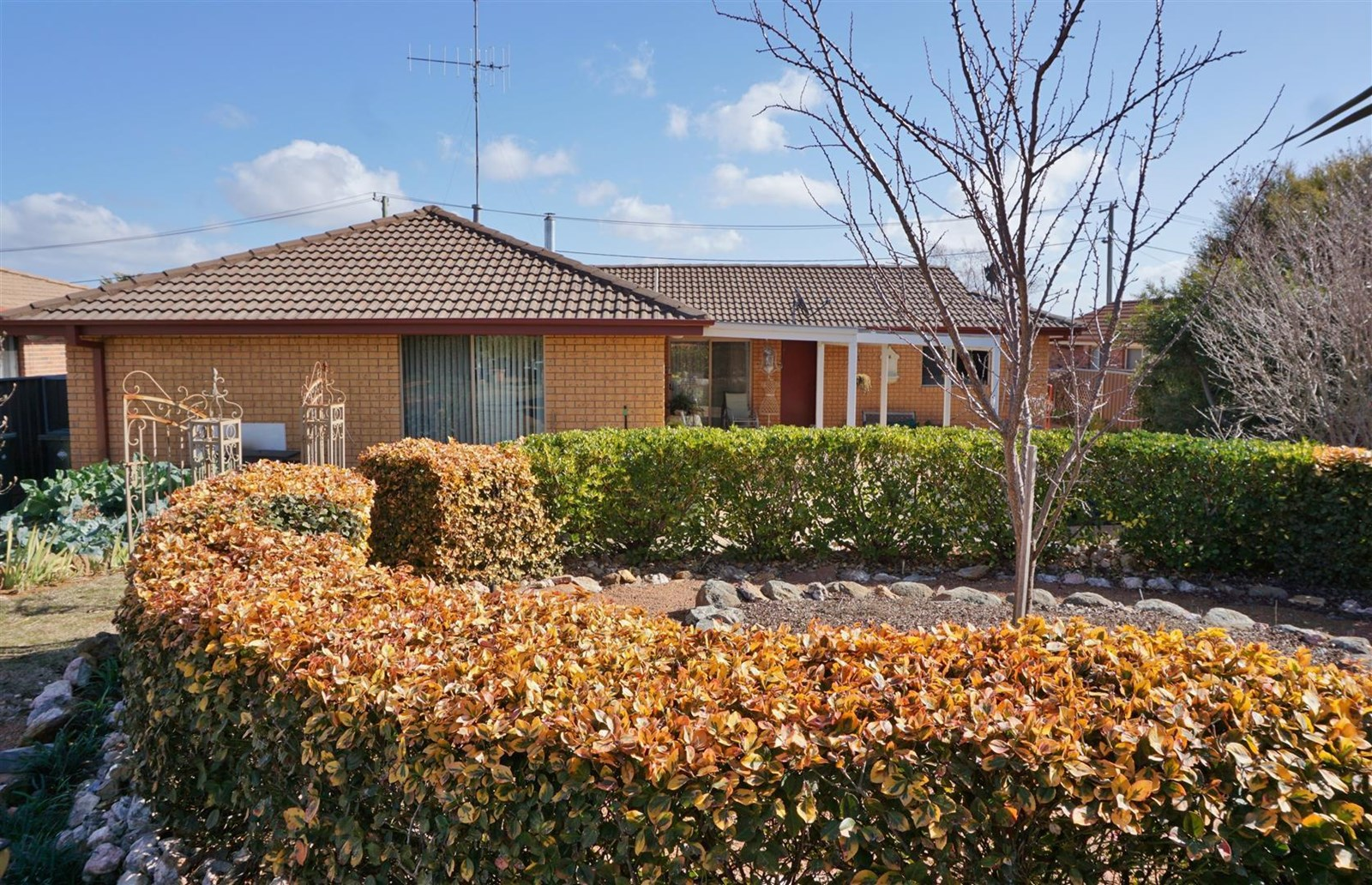 Grand junction road yass nsw house for sale
