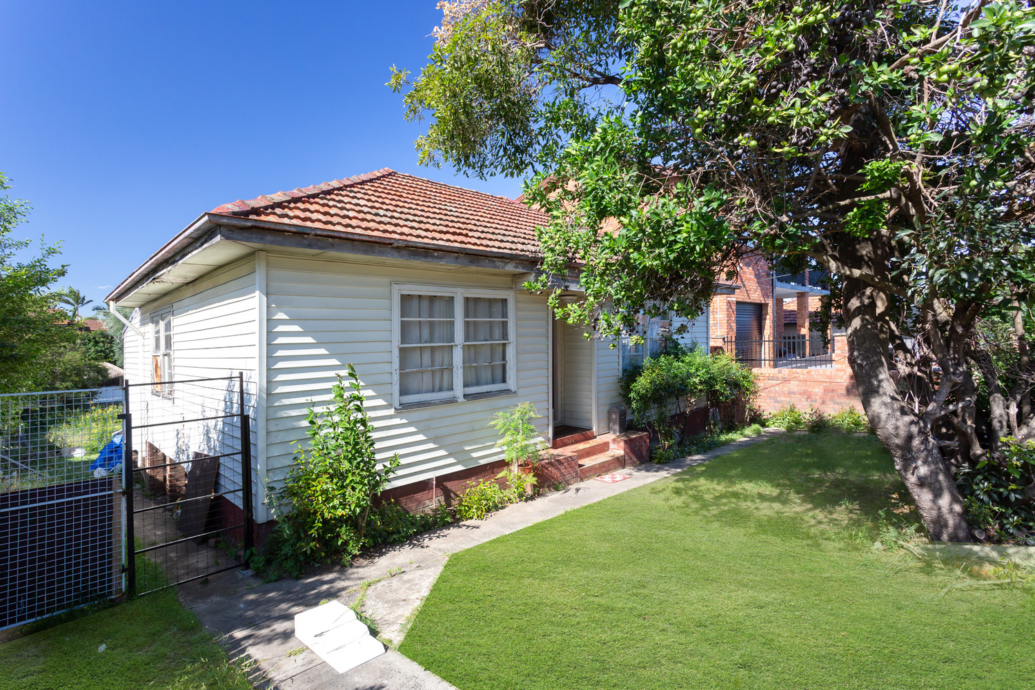 Property Report for 225 Juno Parade, Greenacre NSW 2190