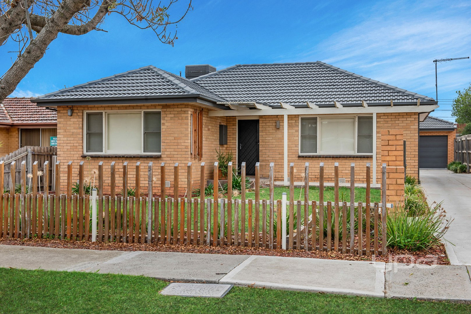 102 Halsey Road, Airport West VIC 3042