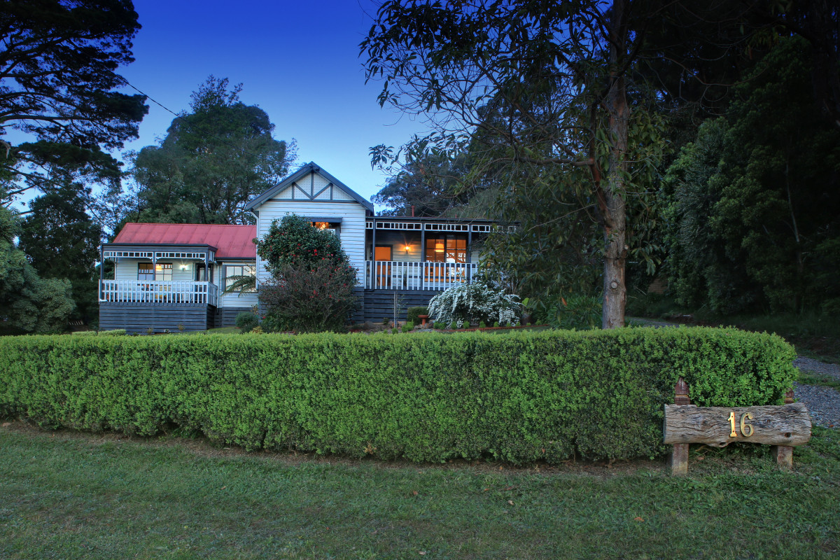 16 Gembrook Launching Place Road, Gembrook VIC 3783