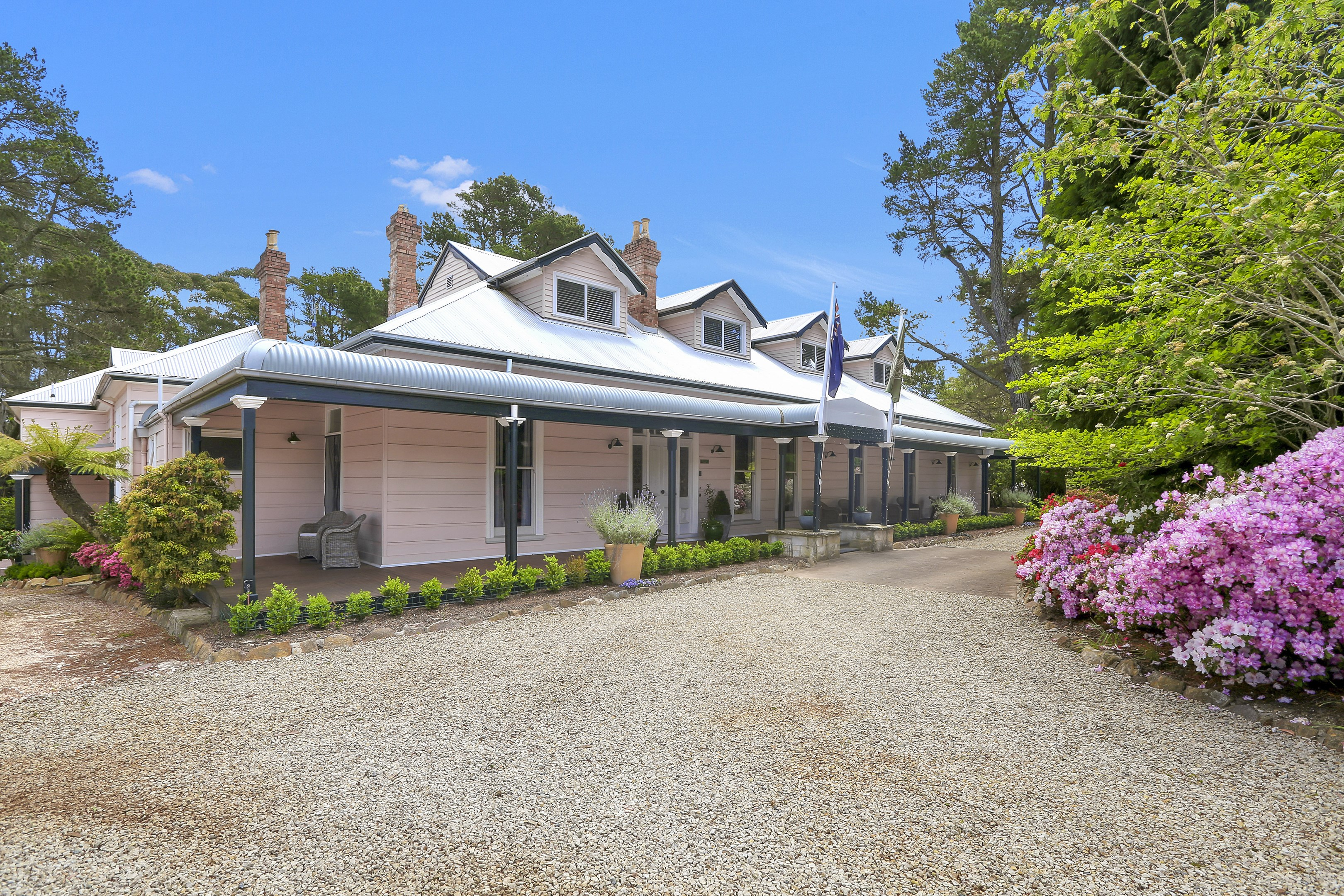 2 Closeburn Drive, Mount Victoria NSW 2786