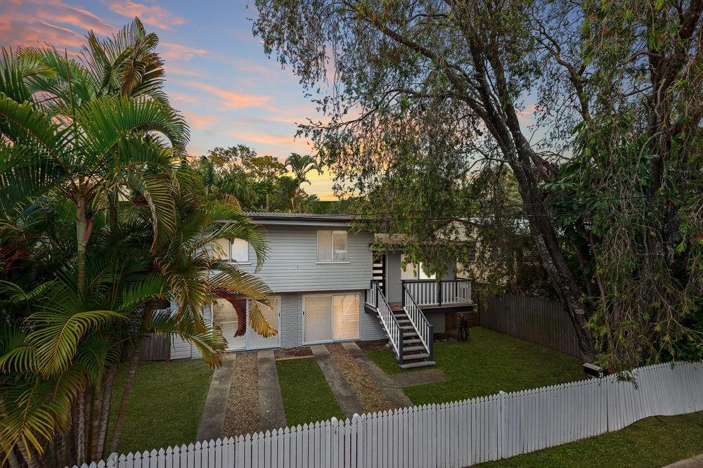 31 Malabar Street, Wynnum West QLD 4178