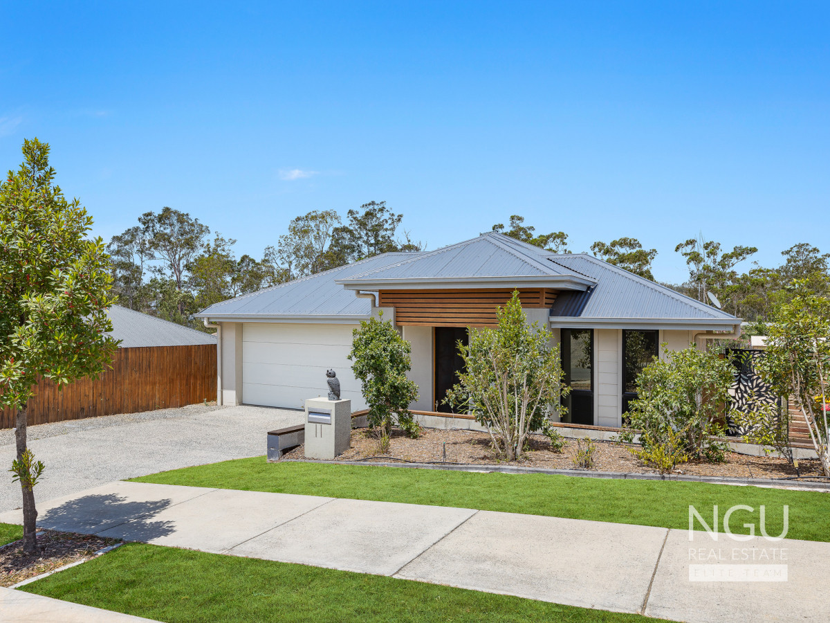 11 Dominic Street, Augustine Heights QLD 4300