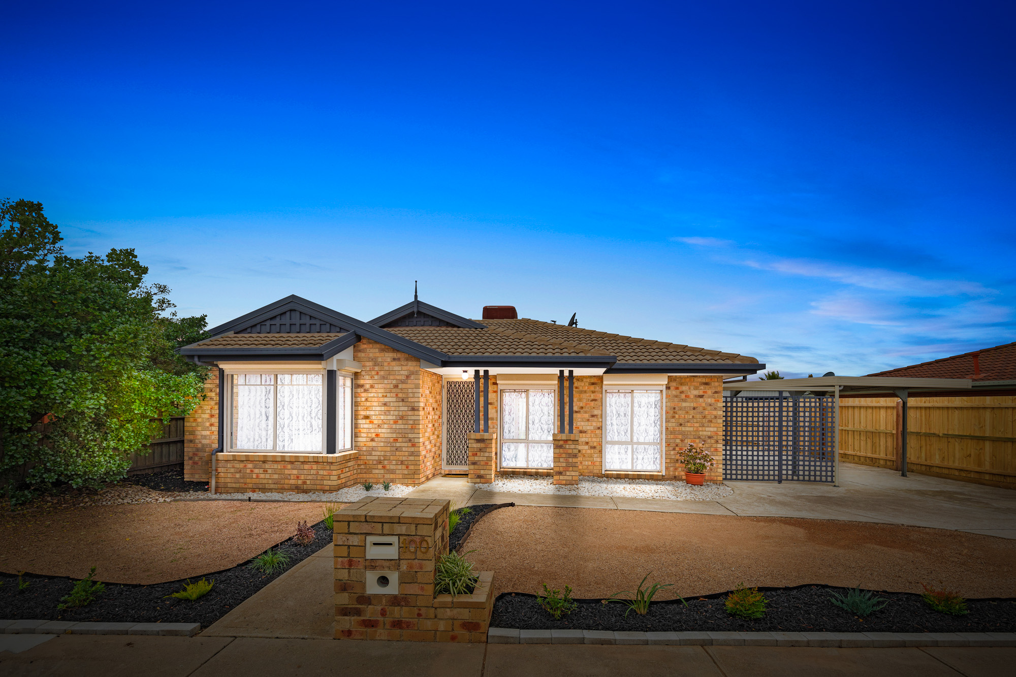 100 Cambridge Crescent, Wyndham Vale VIC 3024
