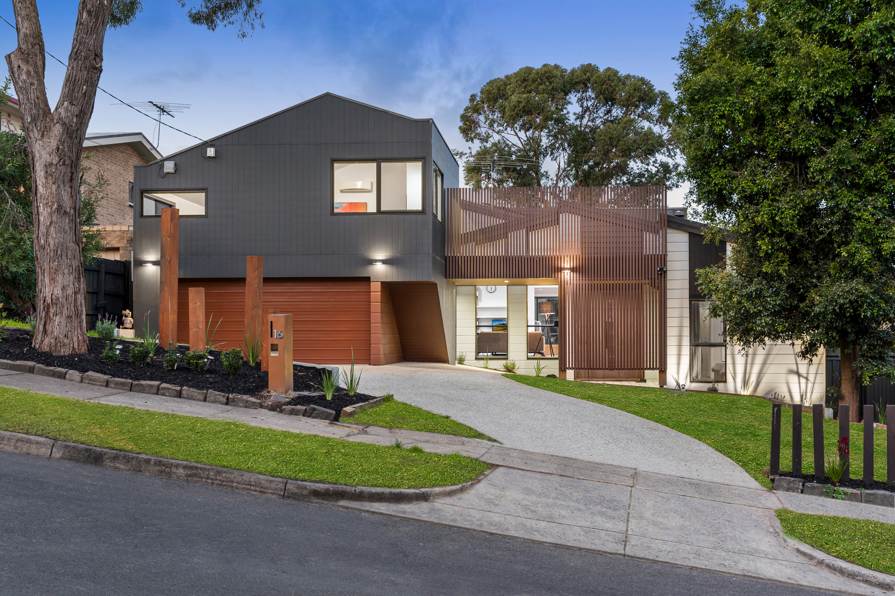 16 Miller Road, Heathmont VIC 3135
