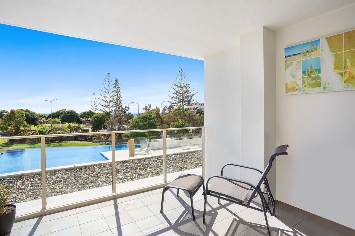 4 Kirra Surf/2 Creek Street, Kirra QLD 4225 | Domain