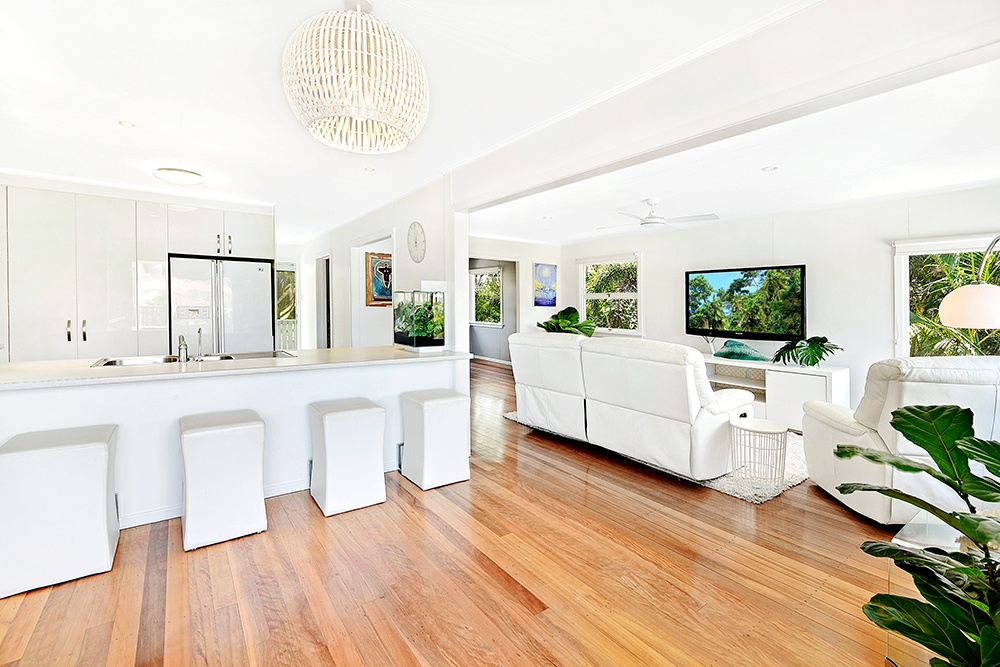 1304 gold coast hwy palm beach qld 4221 house for sale for Beach house designs gold coast