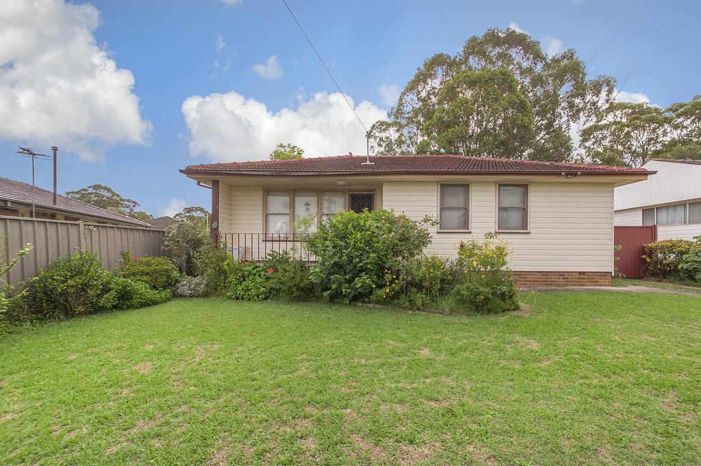 Property Report for 4 Kendee Street, Sadleir NSW 2168