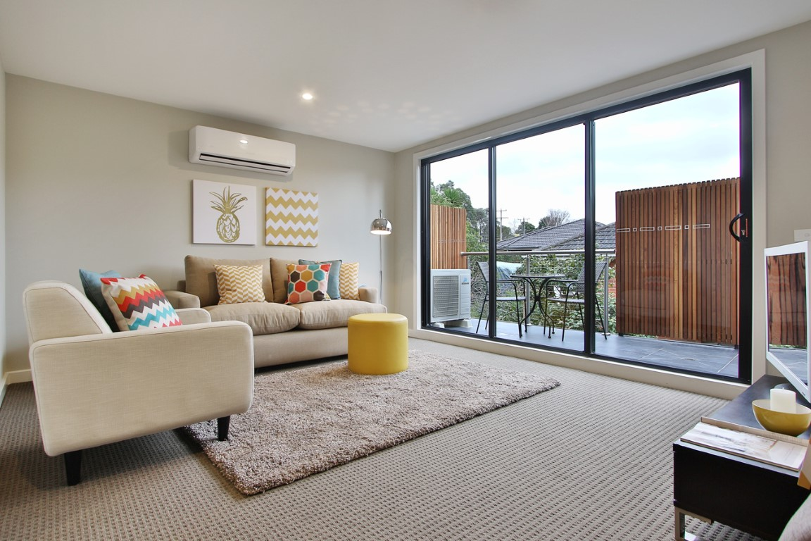 Mount dandenong road croydon vic 3136 off the for 9 kitchen road dandenong