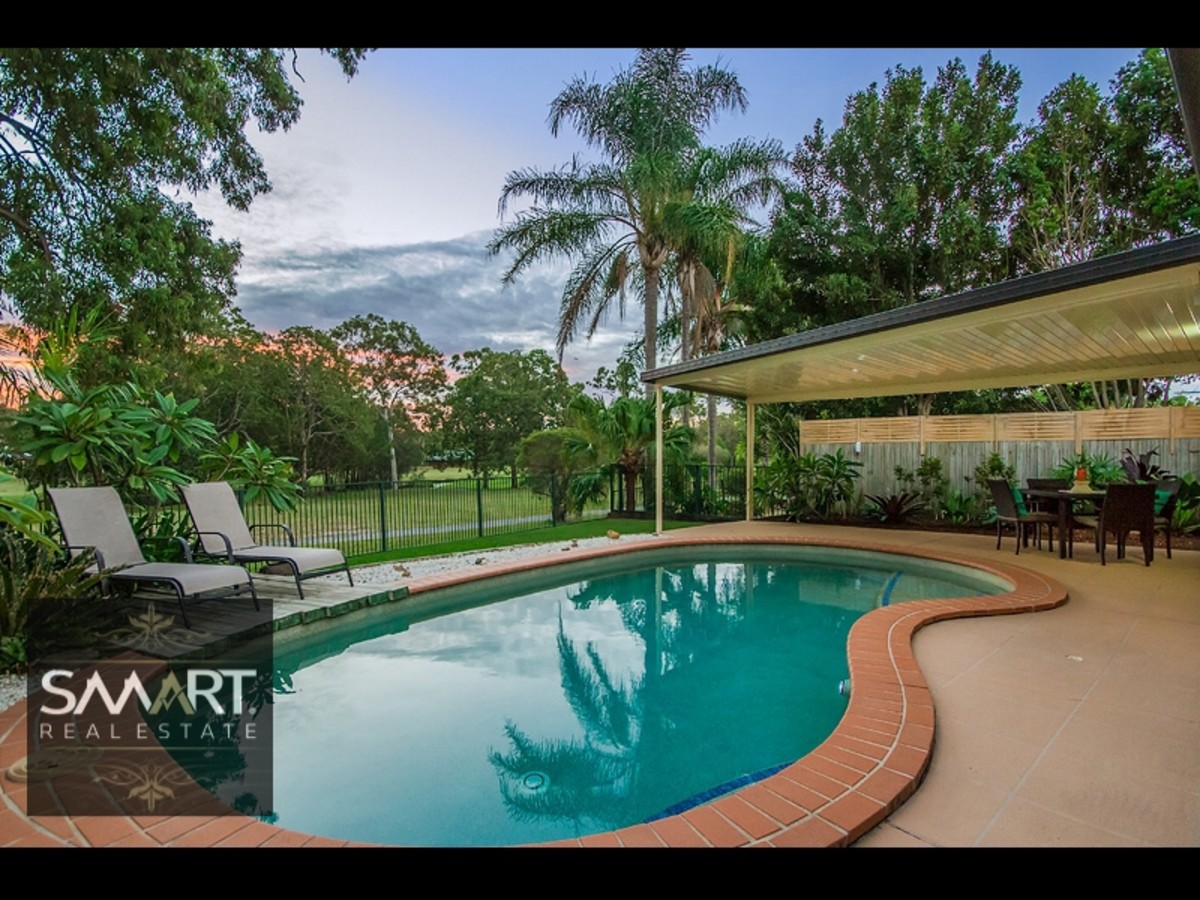 2 Midvale Place, Helensvale
