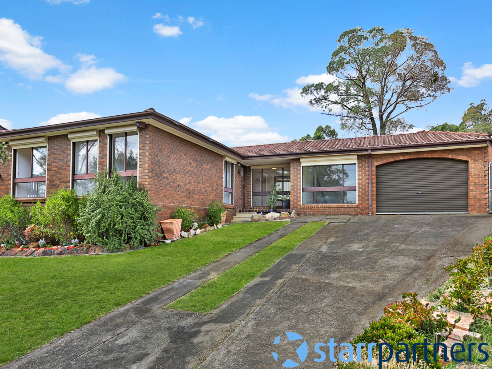 5 nancy pl ambarvale nsw 2560 house for sale domain for Garage ad nancy