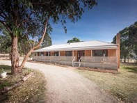 Picture of 208 Couangalt Road, Gisborne South