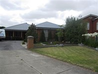 Picture of 10 Pendle Close, Narre Warren South