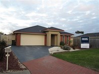 Picture of 11 Webster Court, Carrum Downs