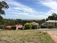 Picture of 8 The Crest, Chandlers Hill
