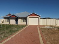 Picture of 32 Salvaire Crescent, Lancelin