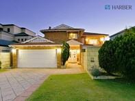 Picture of 70 Ashmore Way, Sorrento