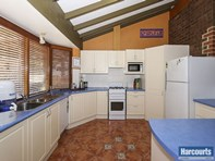 Picture of 11 Heather Road, Lesmurdie