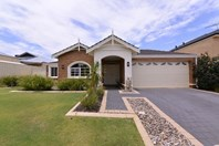 Picture of 148 Golf Links Drive, Carramar