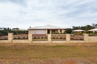 Picture of 77 Learmouth Turn, Byford